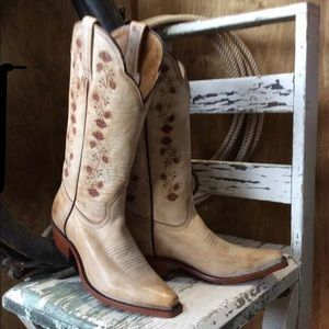 Boulet for Rugged Country NWOT Boots